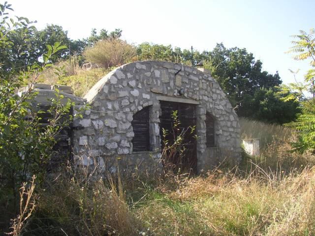 2133 m2-es, a Tihanyi öbölre panorámás telken a Kishegyen elhelyezke… 2