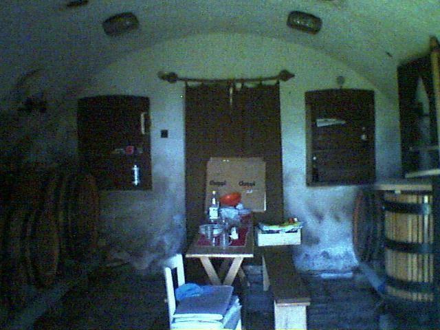 2133 m2-es, a Tihanyi öbölre panorámás telken a Kishegyen elhelyezke… 3