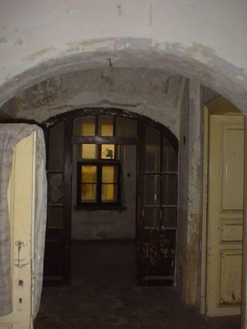 Veszprém abszolút belvárosában 308 m2-es telken, kétszintes, 440 m2-? 3