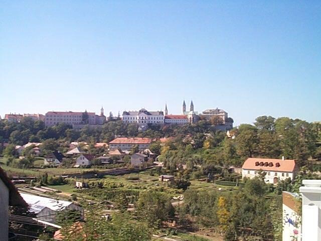 Veszprém belvárosában, romantikus környezetben, takaratlan várpanorá… 2