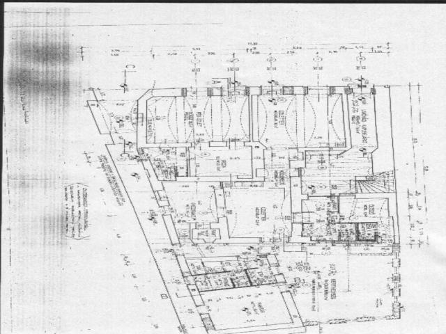 Veszprém abszolút belvárosában 308 m2-es telken, kétszintes, 440 m2-? 6
