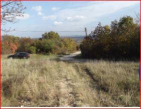 Veszprémben, a Csatár-hegyen, villannyal ellátott, 1500 m2-es telek … 2