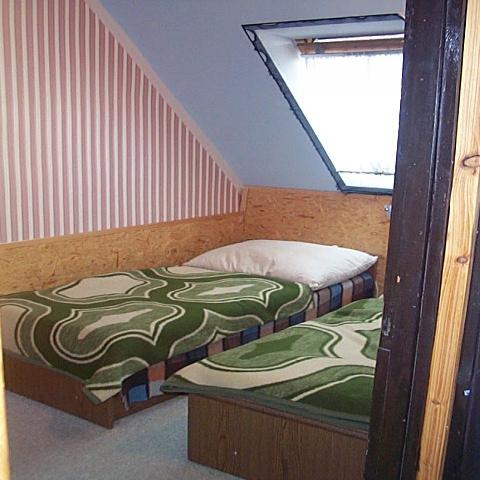 Tihany belső tónál 25 éve épült 2 szintes 8 szobás,7 fürdőszobás ven? 7
