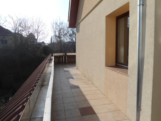 Veszprém belvárosában különleges adottságokkal rendelkező, 500 m2-es… 3