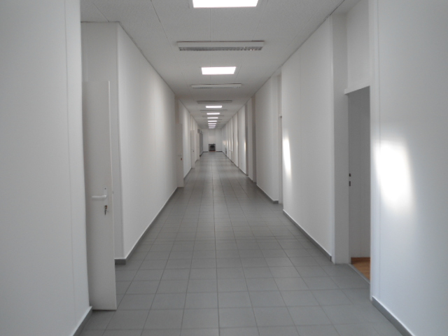 Veszprém Bakony Művek területén 2013-ban teljesen felújított kétszin… 3