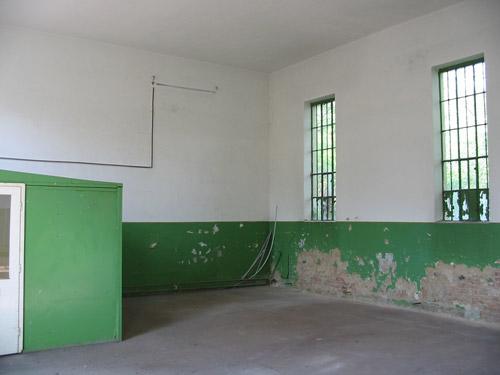 Komárom Esztergom megyében, az Oroszlány-Pusztavám összekötő úton 7 … 4
