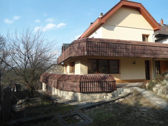 Veszprém belvárosában különleges adottságokkal rendelkező, 500 m2-es… 1