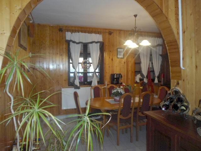 Veszprémtől 15, a Balatontól 10 km-re, Litéren 732 m2-es, összközműv? 3