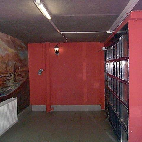 Veszprém belvárosában 85 m2-es földszinti, üvegportálos üzlethelyisé… 5