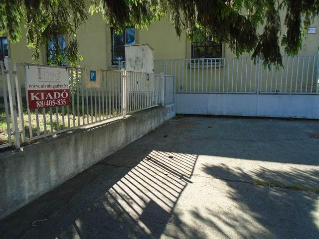 2017 szeptember 1-től KIADÓ! Veszprém egyik legforgalmasabb fő közle… 2