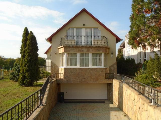 Balatonfüreden, kedvelt kertvárosi környezetben, új építésű ingatlan… 1