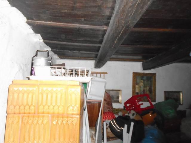 Balatonfüred, balatonarácsi részén, nádfedeles, fagerendás erősen fe… 5