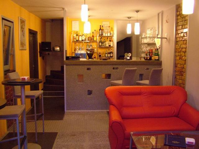 Balatonkenesén, a strandon 28 m2-es  összközműves vendéglátó üzlet,ú… 1