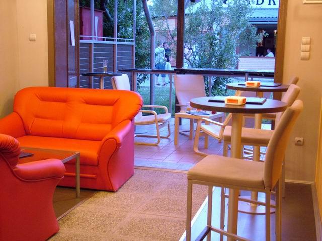 Balatonkenesén, a strandon 28 m2-es  összközműves vendéglátó üzlet,ú… 3