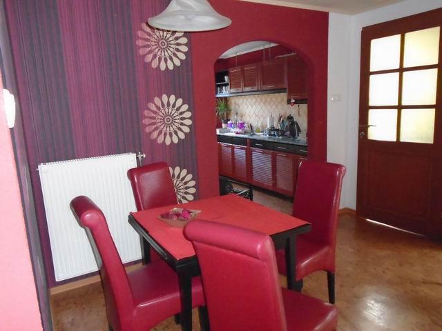 Veszprém Egyetemi-kertvárosi részén családi ház + üzlet besorolással? 2