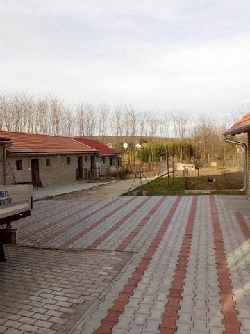 Bakonyjákón, Veszprémtől 34 km-re, 3202 m2-es összközműves telken, 1… 10
