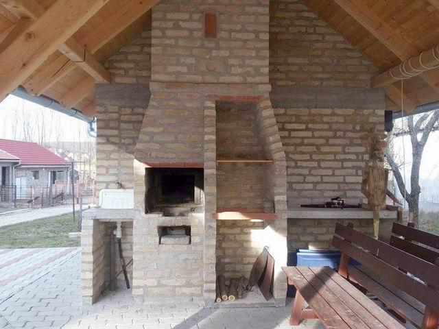 Bakonyjákón, Veszprémtől 34 km-re, 3202 m2-es összközműves telken, 1… 1