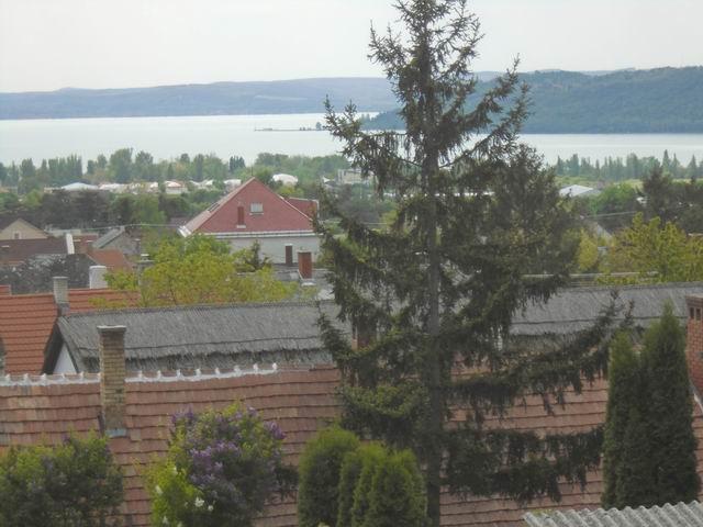 Balatonfüreden, az Óvárosban, 661 m2 osztatlan közös telken, használ… 8