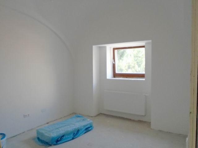Veszprémben új építésű lakás kulcsrakész állapotban, lakóparkban aug… 3