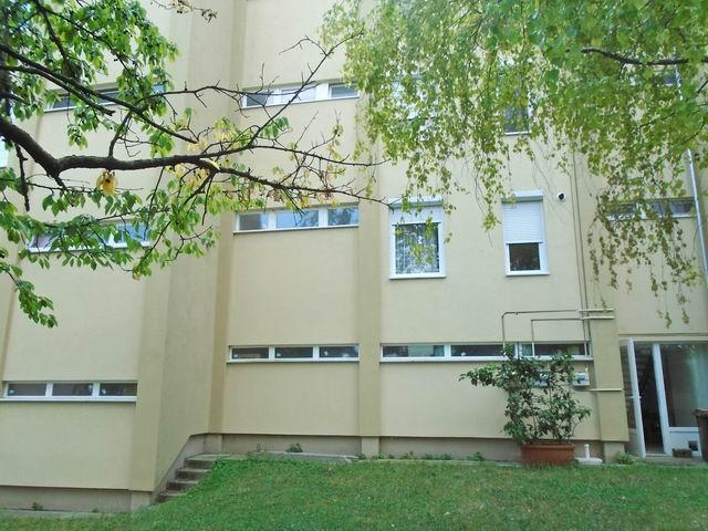 Balatonfüreden, kertvárosi környezetben, a parthoz és a központhoz k… 9