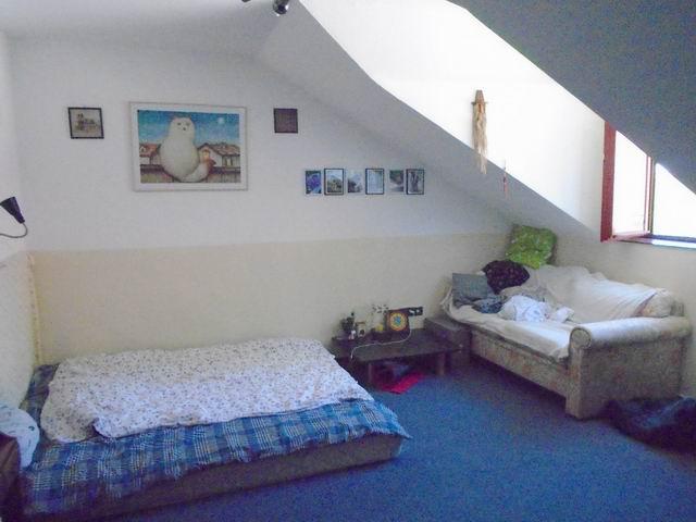 Veszprémben 900 m2-es telken 280 m2-es felújított 3 szintes hangulat… 8