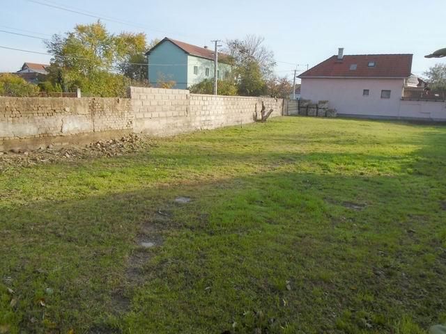 Veszprémben, a Dózsavárosban, kertvárosi környezetben, 727 m2-es, ös… 1