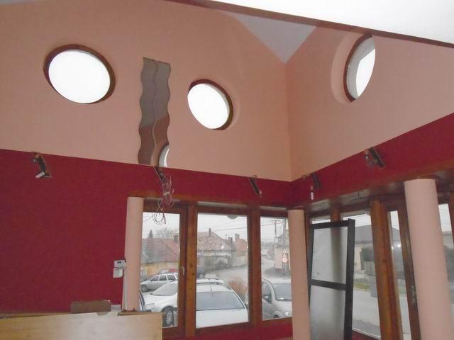Veszprémben, a Dózsavárosban, forgalmas helyen, 364 m2-es telken, 20… 5