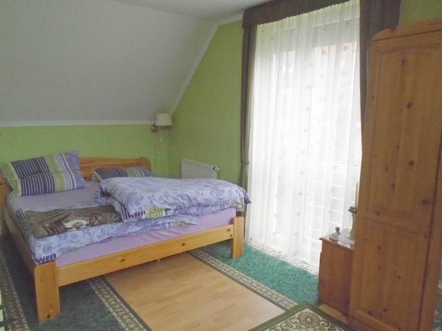 Veszprém történelmi városrészében, közel a belvároshoz, 2006-ban tég… 7