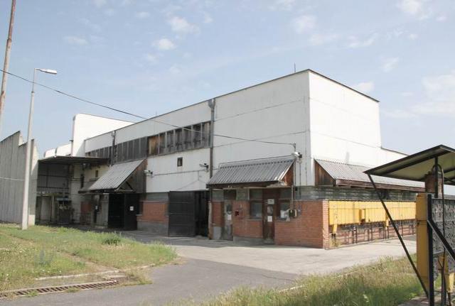 Peremarton-gyártelepen 32 ha, 320.000 m2 iparterületen 28 felépítmén… 1