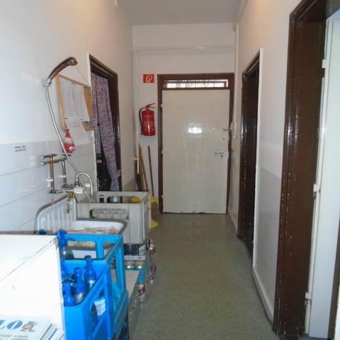Veszprémben, a Haszkovó úti lakótelepen, 20 éve működő, bejáratott é… 6