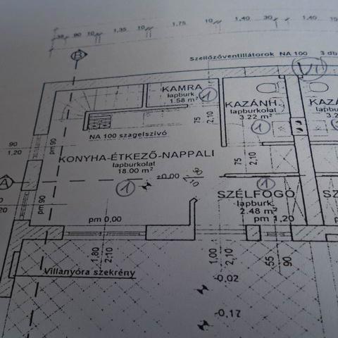 Balatonfüreden, az Óvárosban, 661 m2 osztatlan közös telken, használ… 10