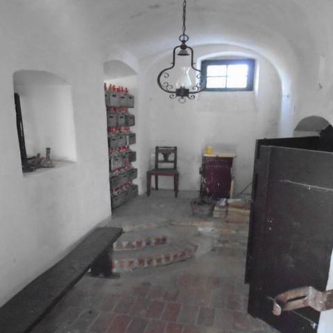 Nemesvámoson, Veszprémtől 8 km-re, a főút mellett, az 1800-as évekbe… 9