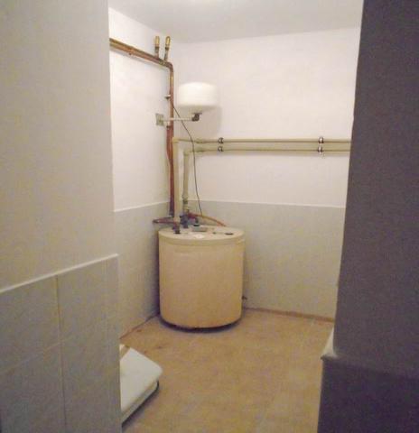 Veszprémben, a Dózsavárosban, forgalmas helyen, 364 m2-es telken, 20… 10